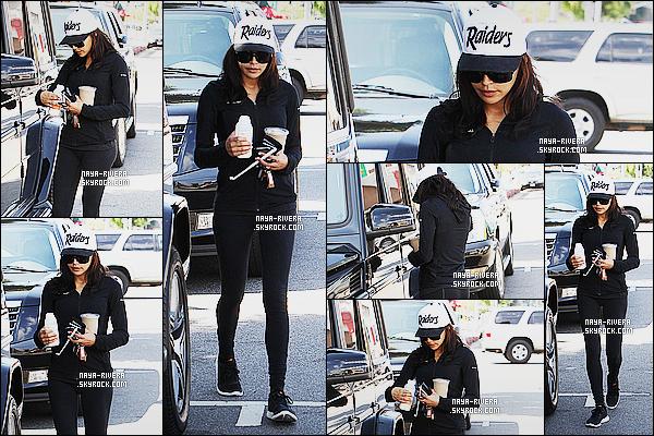* 19/09/14 : Naya  a été aperçue seule  près de sa voiture avec un café  pour rentrer chez elle     dans   Beverly Hills.  Naya  semble être fatigué, elle doit  avoir fini son sport et elle rentre chez elle. Cependant sa tenue est assez bien pour une tenue de sport ! *