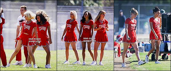 * 22/09/14 :* Naya  était   sur le tournage de la série Glee     avec    Dianna Agron, Heather Morris et Kevin McHale.  Naya  a revêtu son uniforme de cheerleader en compagnie de ses co-stars pour une performance sur Problem de Ariana G. et Iggy A.  ! *