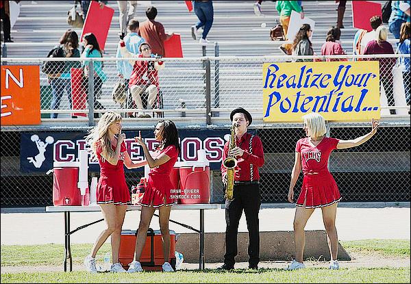 *    Découvrez Naya dans quelques stills de deux  épisodes  lors de la saison finale (6) de   Glee.  *