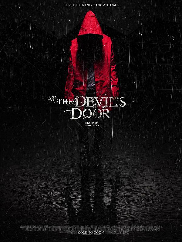 *  Découvrez l'affiche du film      At the devil's door avec en prime  un tout nouveau    still. *