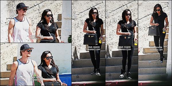 * 27/03/15 :. Naya  a été aperçu avec Ryan lorsqu'ils quittaient la salle de     sport qui est   situé dans Beverly Hills.   J'aime bien les baskets de    Naya, elles sont vraiment jolie. Elle entretient sa ligne malgré qu'elle soit enceinte, c'est une très bonne chose ! *