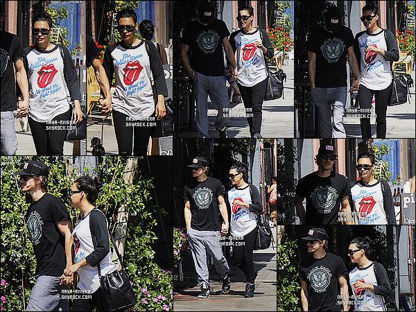 * 29/03/15 :. Naya  a été aperçu en compagnie de Ryan Dorsey et de son     petit ventre dans les rues de Glendale.   Je n'aime pas du tout la tenue de    Naya. J'aime beaucoup plus ce qu'elle nous propose habituellement, c'est un vrai BOF  pour le coup  ! *