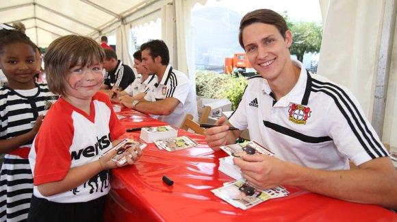 Philipp Wollscheid - Photos : Philipp signe des autographes (4.08.2013)