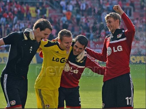 Demande : Top 8 photos de Philipp avec ses coéquipiers