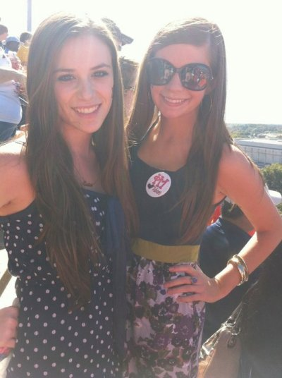 Trois nouvelles photos personelles de Caitlin+ Une avec Becca
