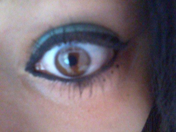 regarde moi droit dans les yeux