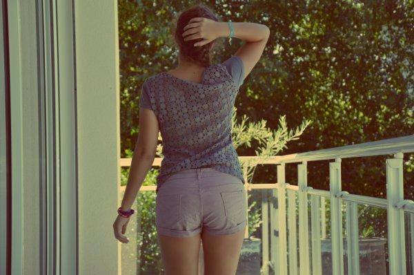 T-shirt en crochets dans le dos