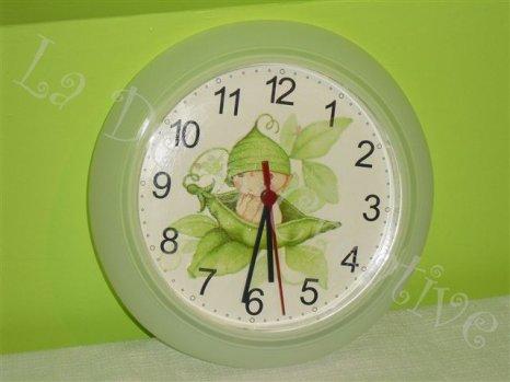 Horloge BEBE PETITS POIS