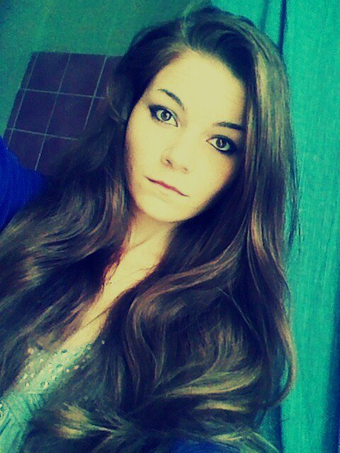 """""""Il faut du courage pour être heureux. Se retrousser les manches et ne jamais renoncer."""" Katherine Pancol"""