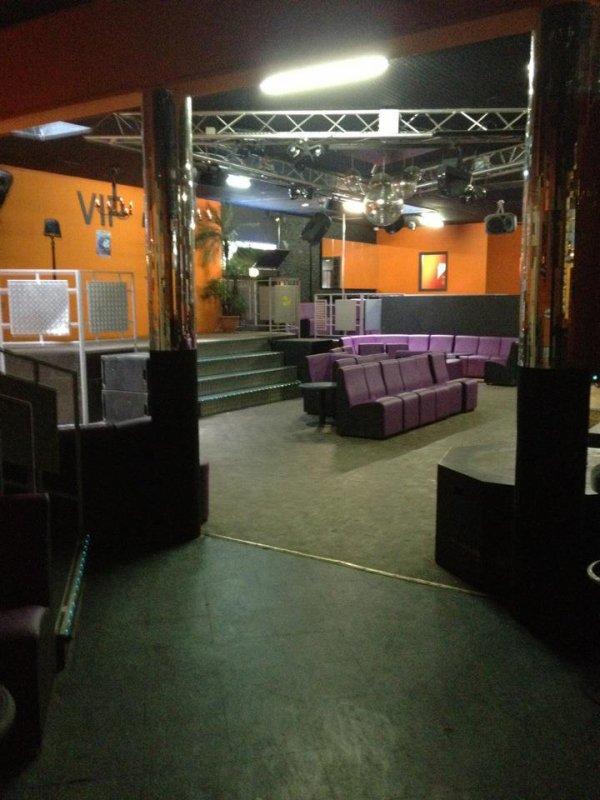 """L endroit ou va se passer le gros show de ce soir,boîte de nuit """"Le Koncept """"+ de 500 personnes attendus..."""