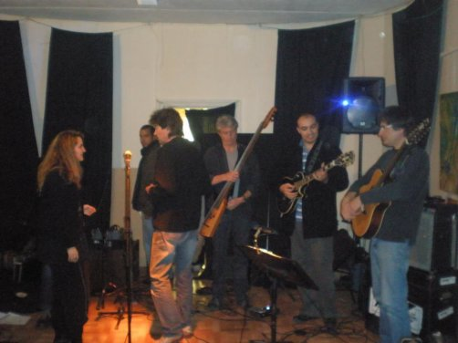 Larbi Boukharmous   guitarist oudaden