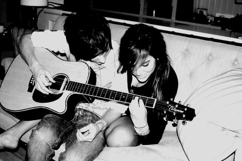 « Il me donne ce truc qui me pousse à croire en moi, il n'est pas « mon meilleur ami » ll est toute ma vie, il est l'amitié dont tout le monde peut rêver, ce que tout le monde recherche. »