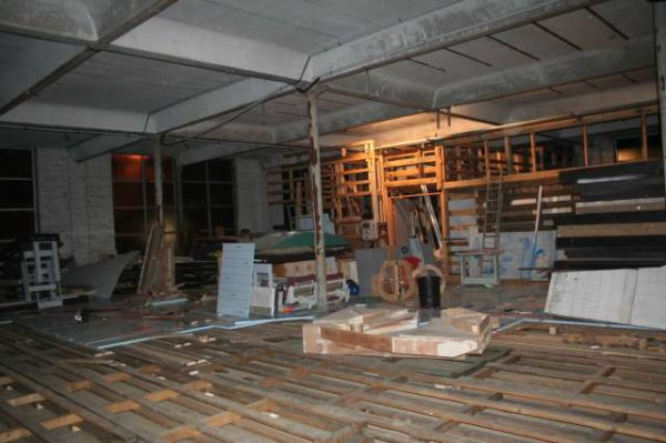 SUITE DES TRAVAUX AU LOCAL   (7)