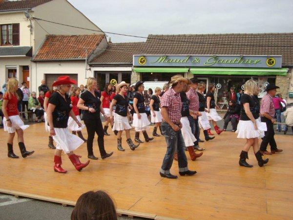 The CALAMITIES DOM'S DANCERS en après midi 80120 RUE
