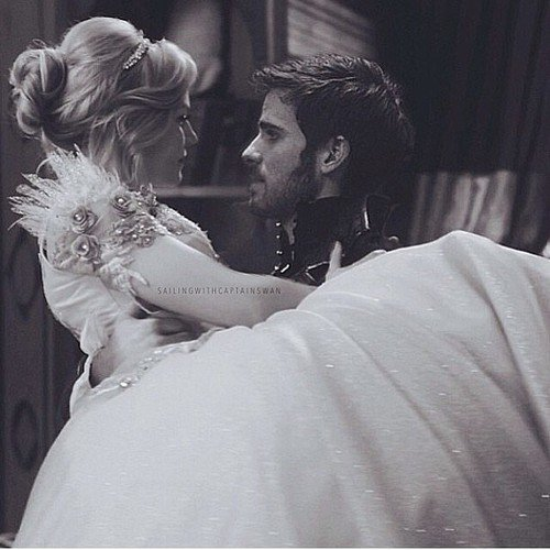 """""""Parfois, les illusions sont mieux que la vérité."""" Once upon a time."""