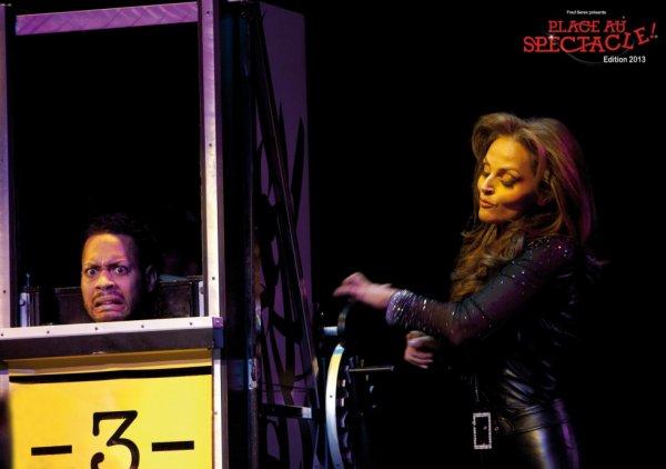 """photo de son spectacle """" place au spectacle à  Genevre avec notre chere sophie toujours aussi magnifique notre sophie"""