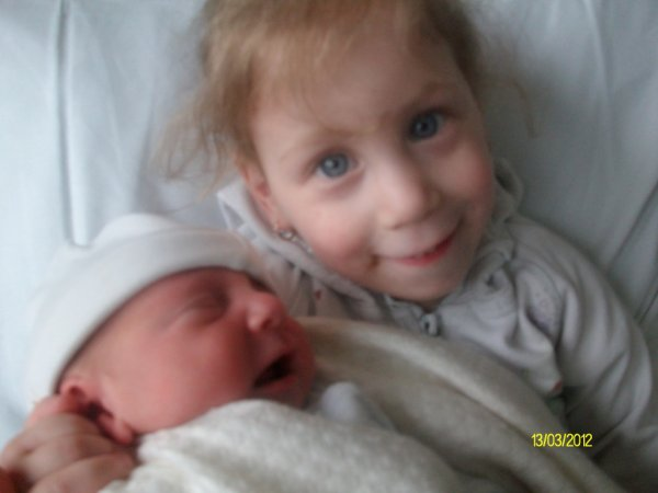 ma fille mayssa et son frere zaya alfredo