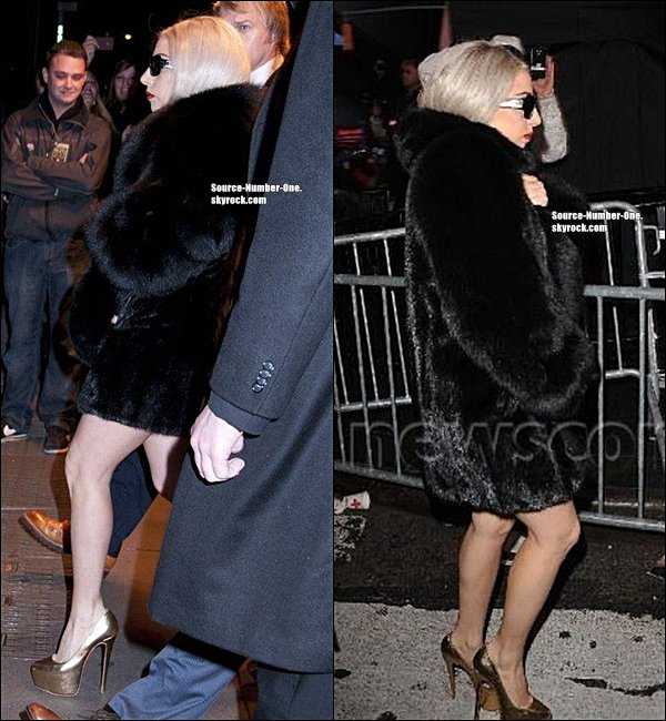 . APPARITION- Gaga a performé Heavy Metal Lover, Marry The Night et Born This Way pour le Dick Clark's New Year's Rockin' Eve en direct de Times Square à New-York, le 31 décembre..