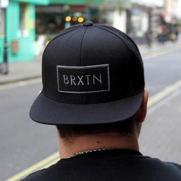 Casquette Brixton, est toujours disponible.
