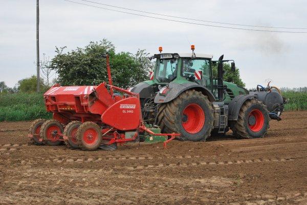 Plantation pomme de terre fendt 936 vario et grimme GL 34g