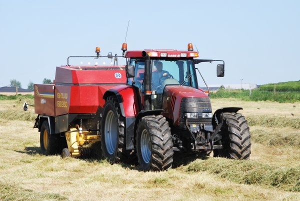 Case Puma CVX 1170 et New Holland BB950