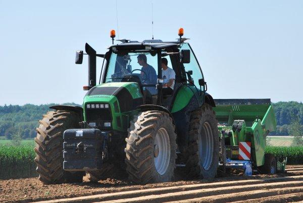 Plantation Pomme de terre Deutz-Fahr Agrotron X710 avec miedema CP 42 T