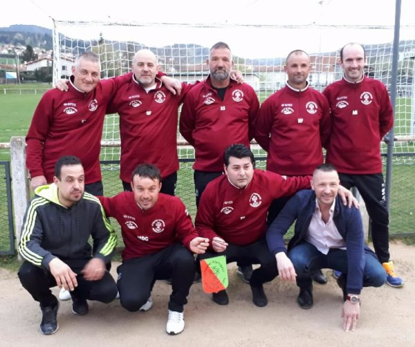 BLOG ASSOCIATION FOOT VETERANS PORTUGAIS , SIEGE SOCIAL : BAR DE LA VERVEINE '' CHEZ ALCINO'' 1 rue francisque mandet 43000 LE PUY