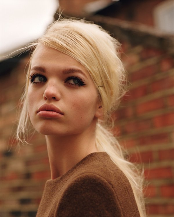 Arizona Muse & Daphne Groeneveld: Self Service, issue 35