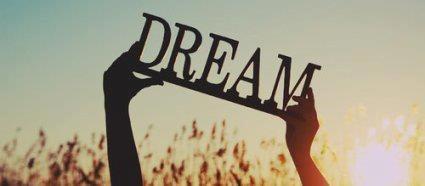 « Il est des rêves qui nous bordent et nous bercent, et d'autres qui nous froissent et nous blessent »