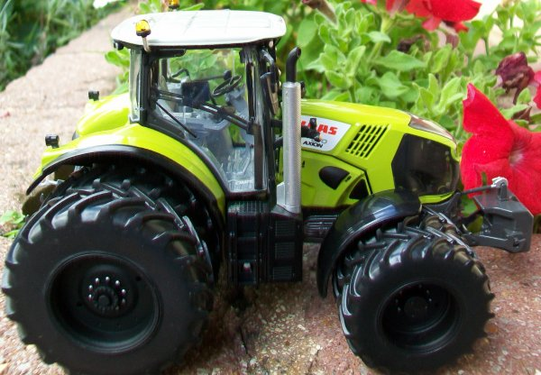 CLAAS 870 AXION jumelé
