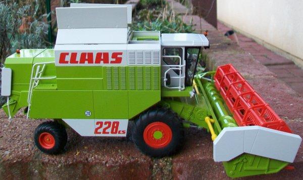 M B CLAAS COMMANDOR 228 CS