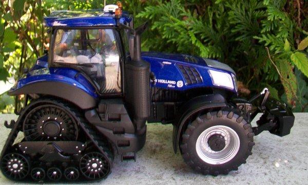 NEW HOLLAND T8 435  SmartTrax Blue Power