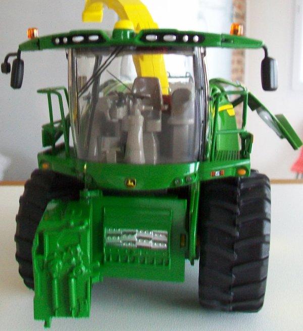 Ensileuse  JD 8500I
