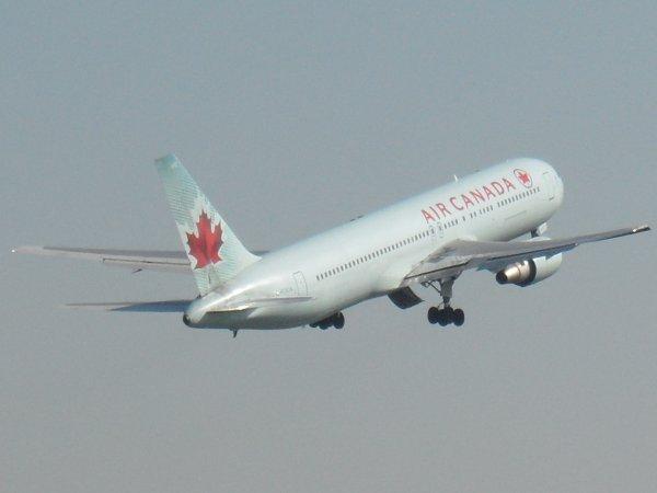 Boeing 767-375 Air Canada