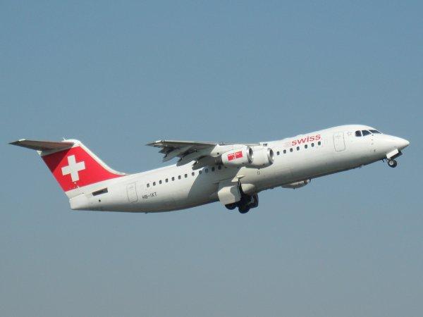 Avro RJ100 Swiss