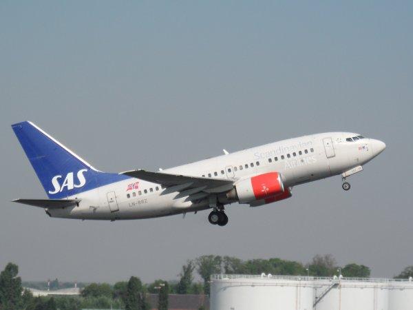 Boeing 737-683 SAS