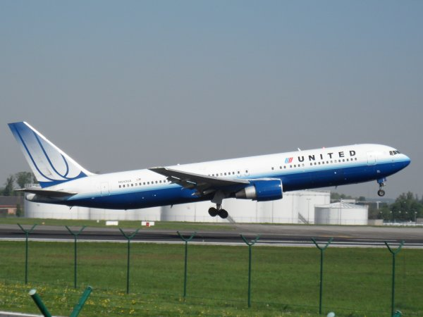 Boeing 767-322 United Airlines
