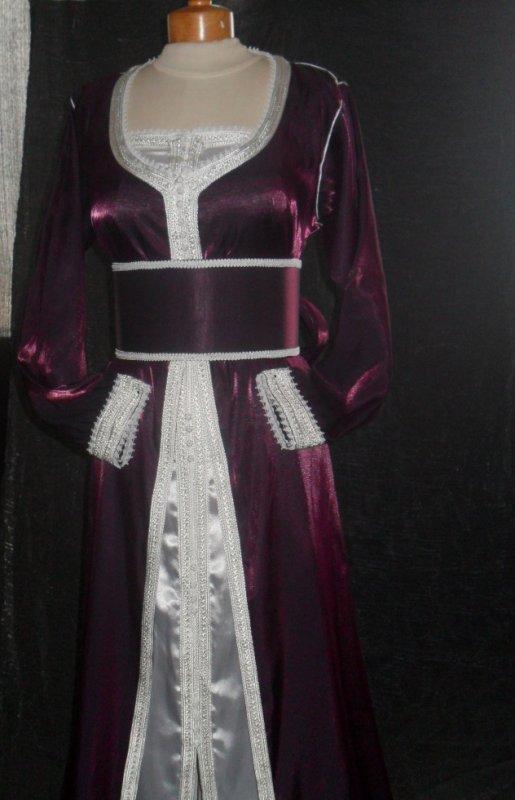 tres belle takchita  violet et blanc