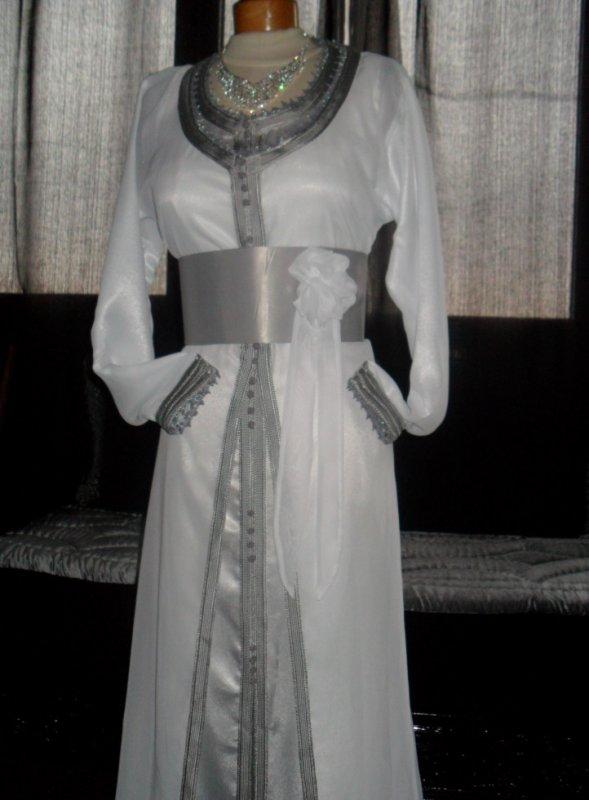 tres belle takchita blanc