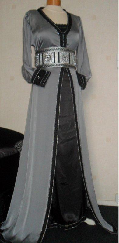 tres belle takchita grise fonce et noire