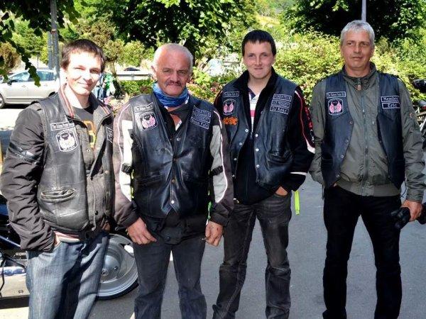 les quatres hommes du club