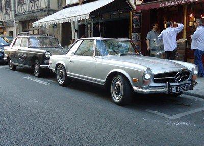 Mercedes Pagode et Peugeot 404