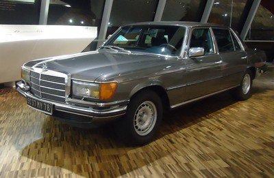 Mercedes à Rueil