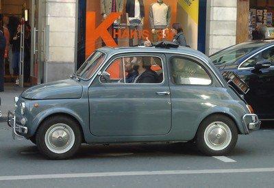 Une énième Fiat 500 parisienne