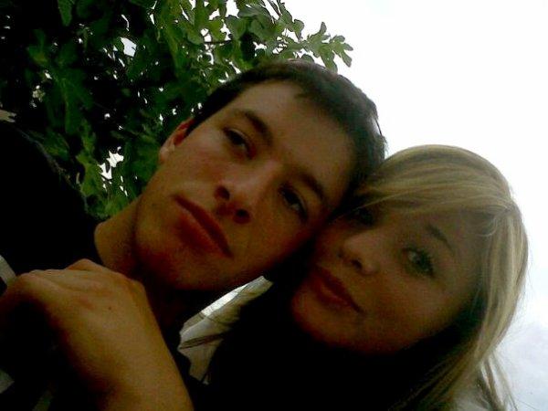 >  Un des plus grands bonheurs de cette vie, c'est l'amitié ; et l'un des bonheurs de l'amitié, c'est d'avoir à qui confier un secret.