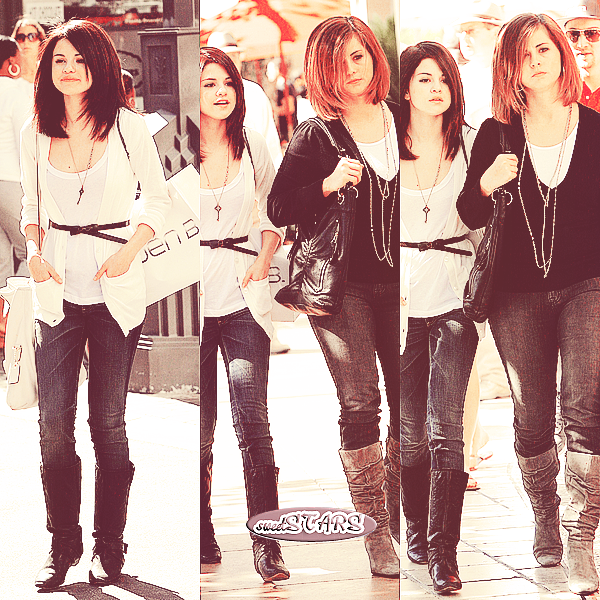 . Selena Gomez et sa mère faisant du shopping dans  Hollywood  le 18 octobre 2008  .