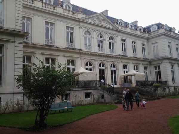 AOÛ 18 Pause musicale et gustative - Hôtel du Grand Commandement Tour Public · Organisé par Tours Val de Loire Tourisme