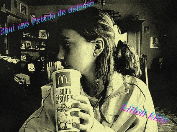 Je Suis Une F.B.I !! une Femme Brune Irresistible