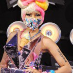 Nicki Minaj parle le nouveau désastre d'album, romain et de VMA de mode