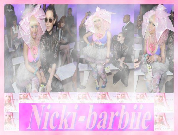 Nicki Minaj' ; promenade colorée de passerelle de s Prabal Gurung